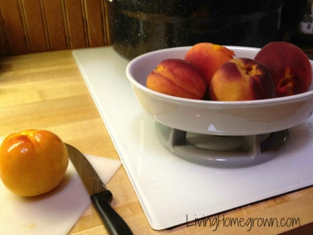How to blanch peaches