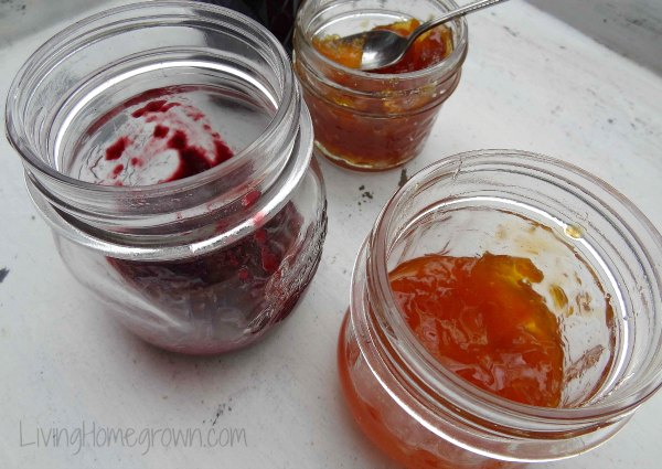 Making salad dressing from jam